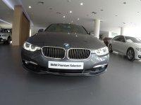 Jual 3 series: BMW 320i Luxury Used Like New 99%