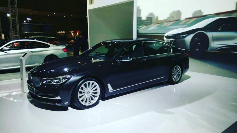 7 series: BMW 740 Li Bungan 0% - MobilBekas.com