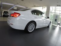 Jual 3 series: BMW 320i Luxury 2018 F30
