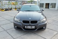 Jual 3 series: 2010 BMW 320i AT E90 LCI Executive Mobil Gress Antik TDP 49jt