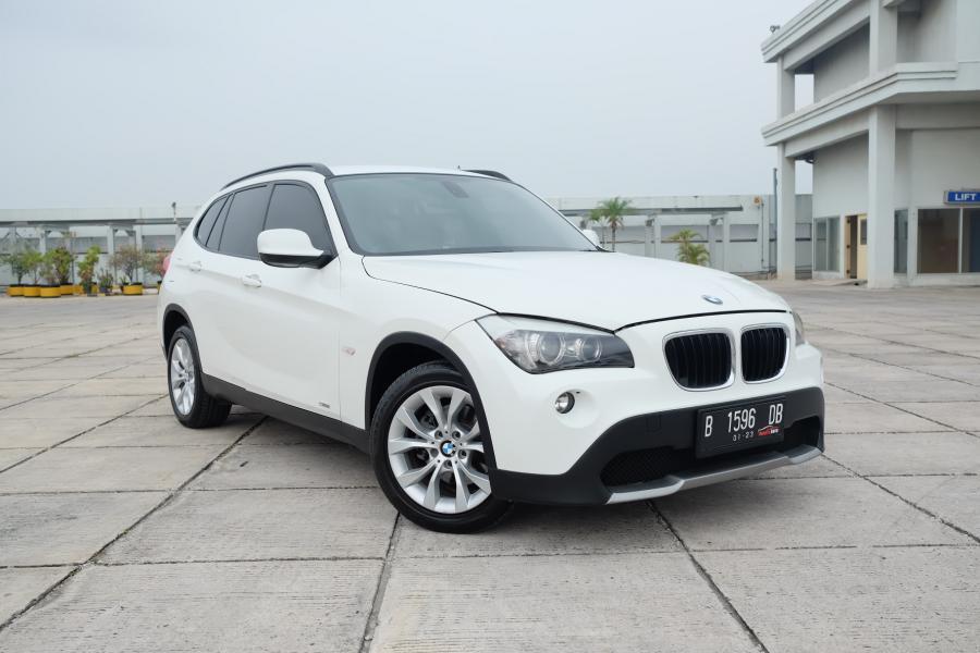 X series: 2012 BMW X1 2.0 MATIC Executive Bensin Terawat ...