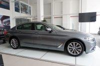 5 series: Flash Sale BMW 520i Luxury NIK 2018 (85b5ccaa-96fd-4a41-8d88-aa51a568a63e.jpg)