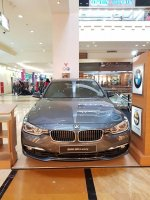 3 series: BMW 320i Luxury MIneral Grey NIK 18 (WhatsApp Image 2018-12-27 at 12.11.16.jpeg)