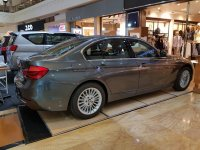 3 series: BMW 320i Luxury MIneral Grey NIK 18 (WhatsApp Image 2018-12-27 at 12.11.14 (1).jpeg)