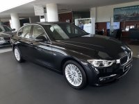 3 series: Dijual BMW 320i Luxury 2018 DP 37 Jt Saja ALL IN