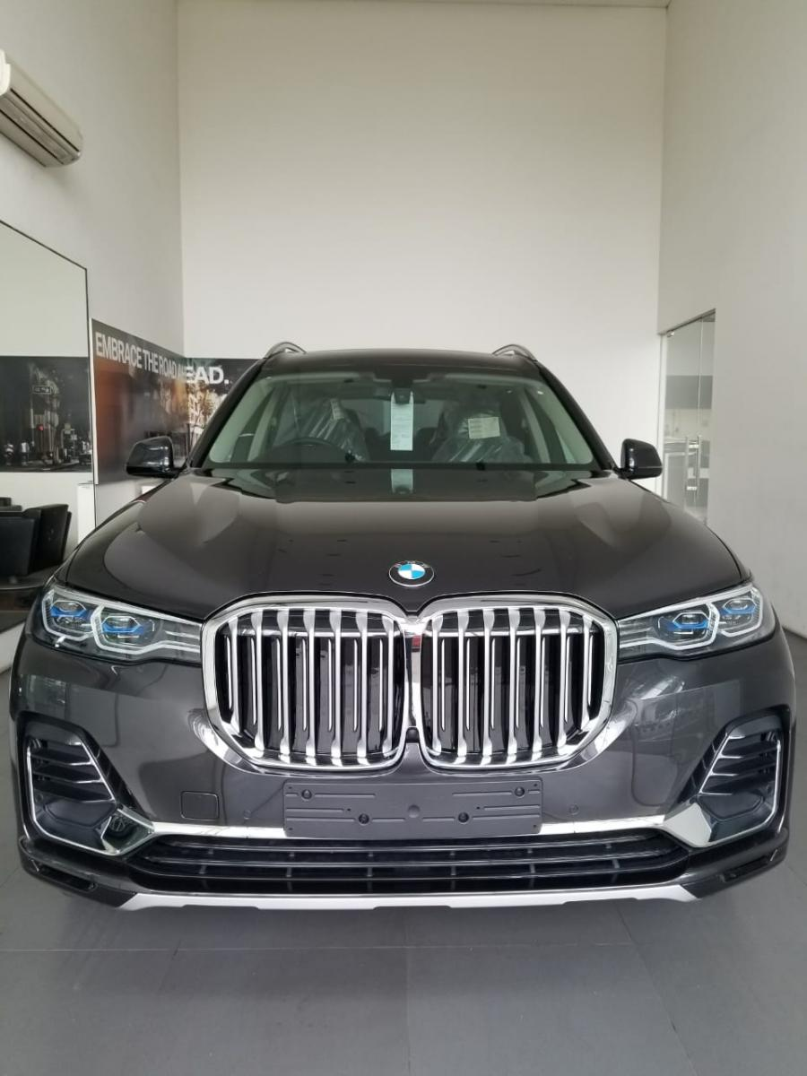 BMW X Series >> X Series Bmw X7 Xdrive40i Pure Excellence 2019 Mobilbekas Com