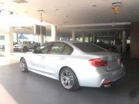3 series: BMW 330i M Sport Glacier Silver (e91e21c7-bf3e-4aca-a32d-a7dbf53c5067.JPG)