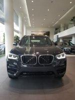 X series: BMW X3 sDrive 20i 2019 Kompetitor GLC Mercedes Benz