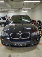 X series: Bmw x5 2010 hitam antik