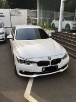 3 series: Bmw 320i luxury 2018 (EEE6DA6A-C8B3-46FE-B360-281C98ACD9D9.jpeg)