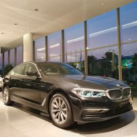Jual 5 series: BMW 520i 2020 iDrive 7 Kompetitor E 200 Mercedes Benz