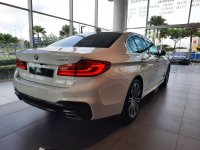 5 series: BMW 530i M Sport ID 7 2019 Kompetitor E300 Mercedes Benz (20200226_170512.jpg)