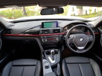 3 series: BMW 320i Sport AT 2014,Bergengsi Namun Sporty (WhatsApp Image 2020-07-01 at 08.34.02.jpeg)