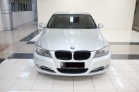 Jual 3 series: 2011 BMW 320i AT E90 LCI Executive Mobil Gress Antik TDP 76JT