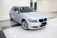 3 series: 2011 BMW 320i AT E90 LCI Executive Mobil Gress Antik TDP 76JT (E5D873B5-2971-4FC0-A5B9-4CE630AF2257.jpeg)