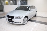 3 series: 2011 BMW 320i AT E90 LCI Executive Mobil Gress Antik TDP 76JT (101B7B77-929A-4202-9D11-D9067F9BEF1D.jpeg)