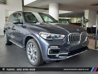 X series: BMW X5 xDrive xLine 30i 2021 DP RENDAH (x5 4 jan.jpg)