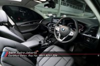 X series: New BMW X3 Sunroof 2021 - Jaminan Harga Terbaik BMW Astra Jakarta (THE X3_pedal shift_BMW CHOOSE YOUR X 2021.jpg)