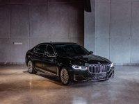 7 series: BMW 740Li Opulence 2020 Like New (2.jpeg)
