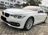 3 series: BMW 320i Sport AT Putih 2016 (WhatsApp Image 2021-04-13 at 15.27.55 (1).jpeg)