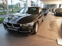 3 series: Harga Terbaik New BMW 320i 320d Sport Lci 2017 - Promo Showroom Event (20170422_173653.jpg)
