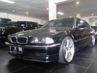 7 series: BMW 730iL. Barang antik