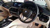 5 series: BMW 530i Luxury 2017 G30 (PicsArt_07-27-10.35.11.jpg)