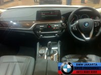5 series: All New BMW 520d Luxury G30 2017 Dealer Resmi BMW (BMW 520 G30 2017 White (5).jpg)
