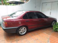 3 series: BMW 318i E36-M40 1993 Manual Factory Paint Merah Red-Maroon Ciracas (BMW Maroon03.jpg)