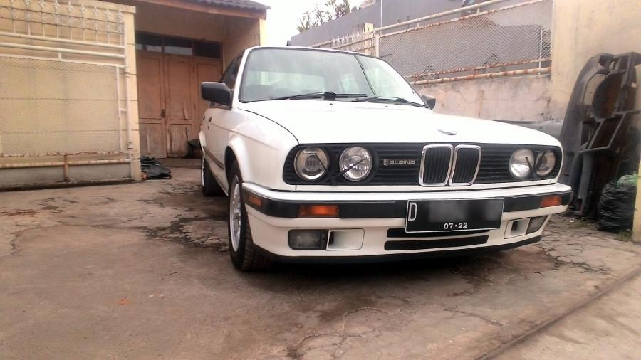 3 series: BMW 318 E30 M40 The Legend warna putih 1989 ...