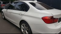 3 series: BMW 320i sport Bensin KM35000 lady driver Automatic (Screenshot_20180504-143847.jpg)