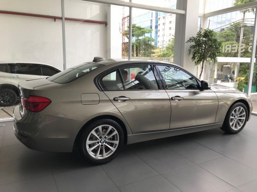 3 series: BMW 320 2018 Diskon Suka-Suka - MobilBekas.com