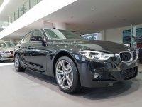 Jual 3 series: BMW 330i M Sport Compare Mercedes C250 AMG