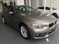 Jual 3 series: 2018 BMW 320i Sport Compare Mercedes C200