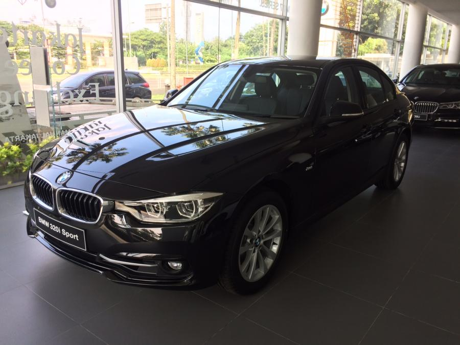 3 series: 2018 BMW New 320i Sport Msteering, Special Price ...