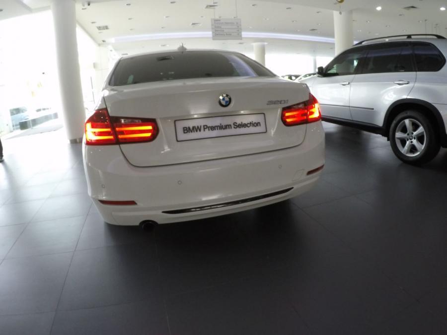 3 series: BMW 320i Sport 2015 F30 White - MobilBekas.com