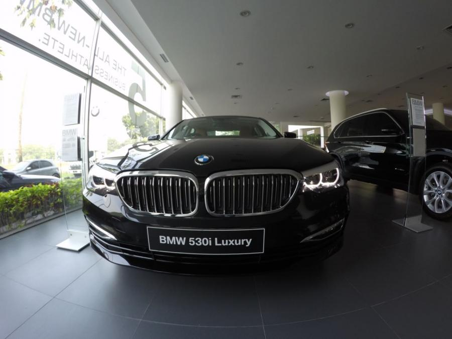 5 series: BMW 530i Luxury G30 2018 - MobilBekas.com