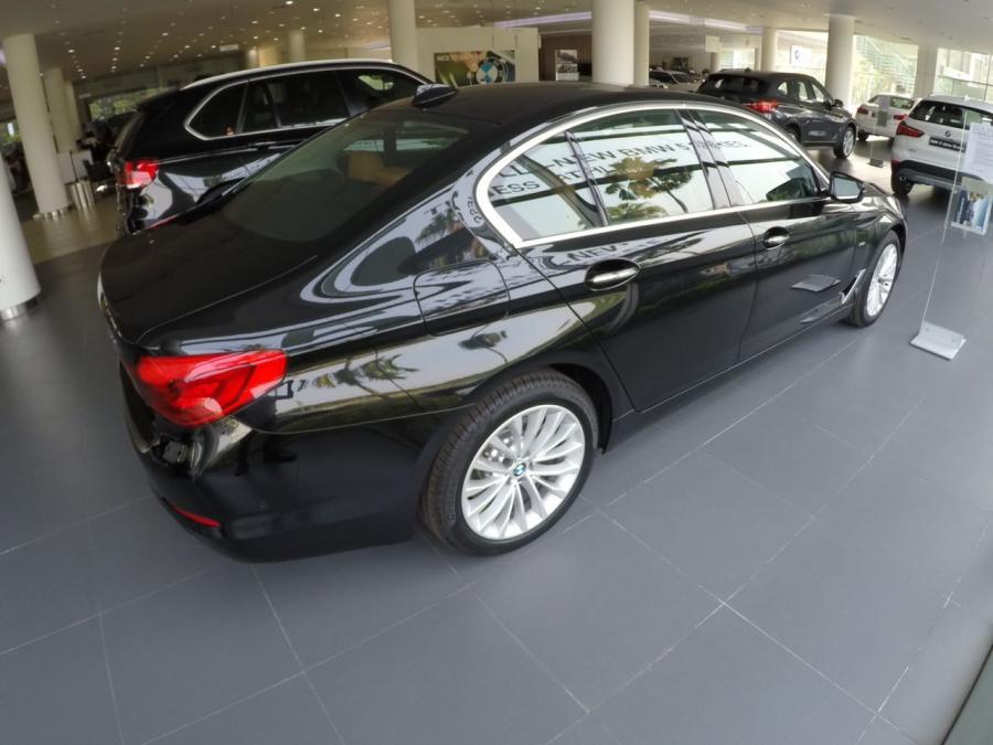 5 series: BMW 530i Luxury G30 2018 - MobilBekas.com