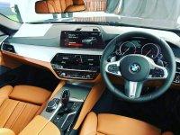 5 series: BMW 530i TOURING M SPORT (IMG_20180725_075057_240.jpg)