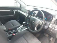 Chevrolet: Jual Captiva Facelift 2.4 Bensin Tiptronic th 2011 type terbaru putih (2.jpg)