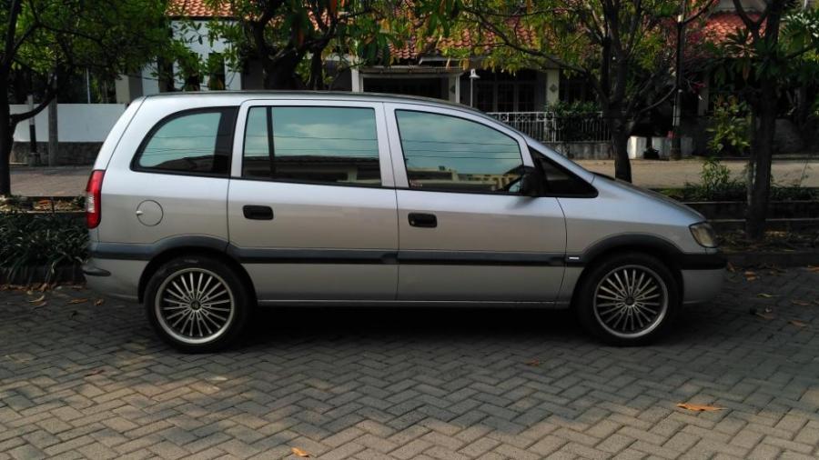 Dijual Chevrolet Zafira 2003 Mobilbekas