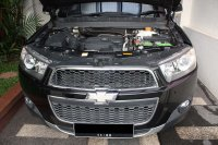 Chevrolet Captiva 2012 VCDi AT 2.0L Diesel Turbo Facelift (Tampak Depan dan Ruang Mesin.jpg)