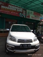 Daihatsu Terios TX Adventure TRD Airbag TRD 1.500cc Manual  2013 PUTIH (tr2.jpeg)