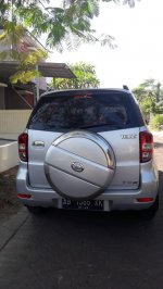 Daihatsu Terios 2007 Silver TX AT Matic Bensin Plat AB asli (3ec4405b-fa2a-4e79-901c-a1df09413694.jpg)