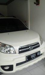 Daihatsu: Jual Terios TX2013 putih plat L nego hub WA: 085732274226