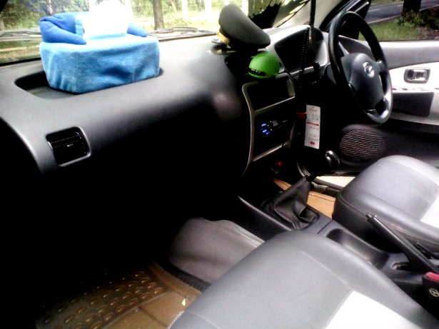 Daihatsu Taruna Oxxy CSX 1.5 MT Thn 2005 Warna Hitam ...