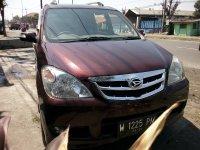 Daihatsu: D. Xenia Xi merah metalik