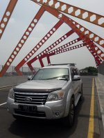 Ford Everest XLT 4x2 AT