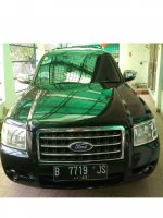 Jual Ford Everest 2008 matic hitam