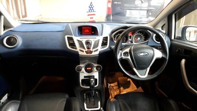 Ford Fiesta Sporty  Cc Putih Jok Kulit Service Record Orisinil  Image Jpeg